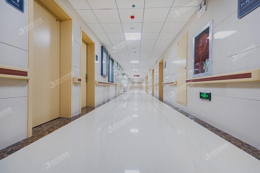 安顺人民医院病区走廊-2