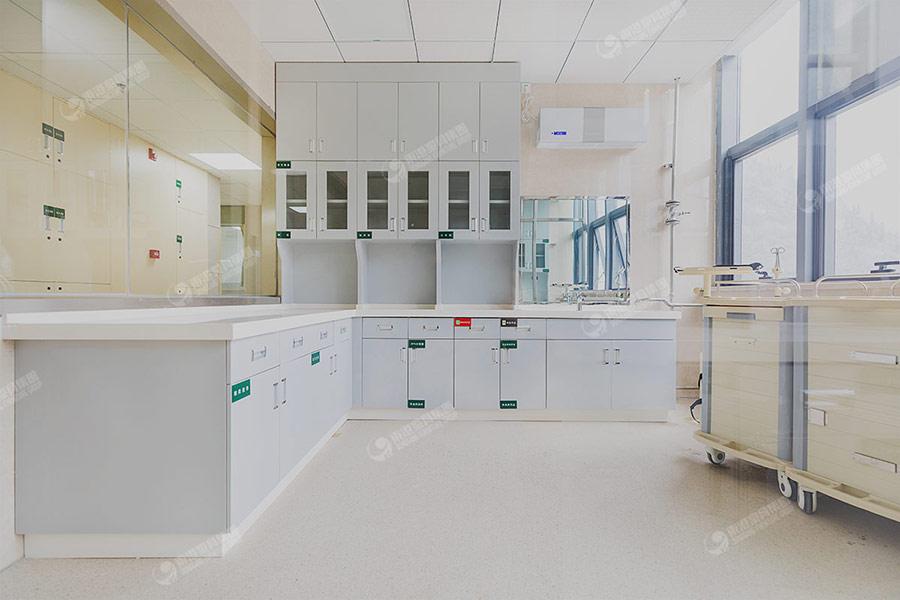 安顺人民医院治疗室